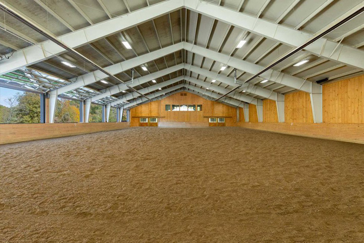 Empire Stables offers a state of the art indoor arena